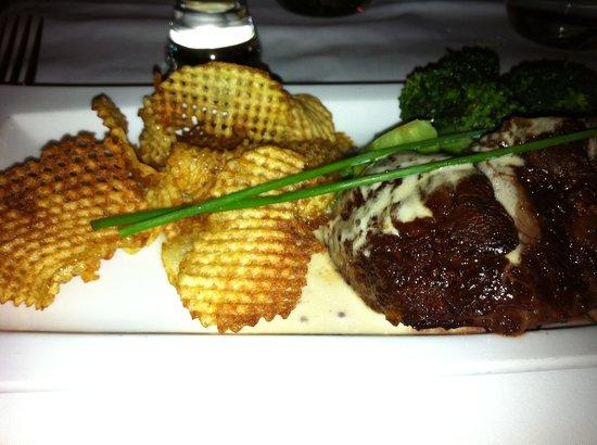 Belga Queen: Steak and fries