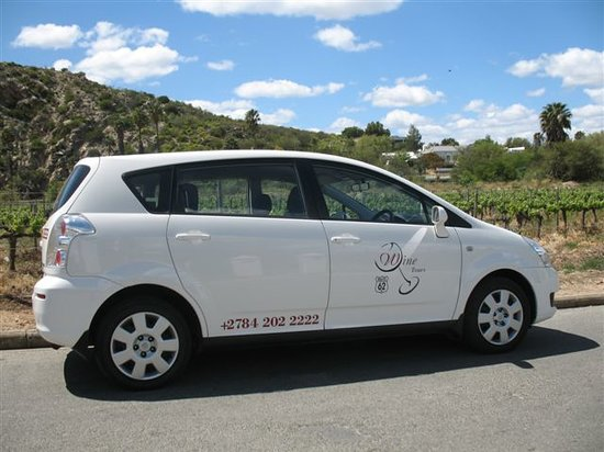 R62 Wineland Day Trips: Air-conditioned, 7-seater Toyota Verso