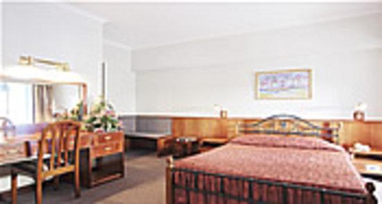 Sandton Palace Hotel: single room