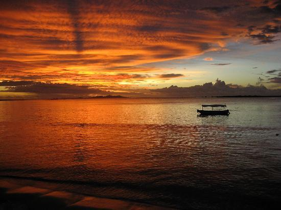 Sheraton Fiji Resort: sunset