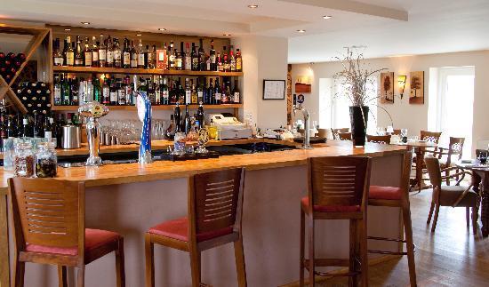 Boughton Monchelsea, UK: Central bar