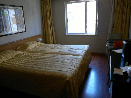 Hotel 3K Madrid : chambre
