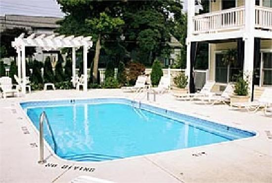 Sand Castle Inn: Swimming Pool
