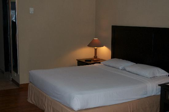 Hotel Danau Toba International : Big, clean, comfy bed