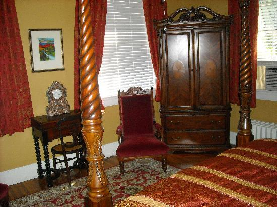 King George Inn: The Queen Victoria Suite
