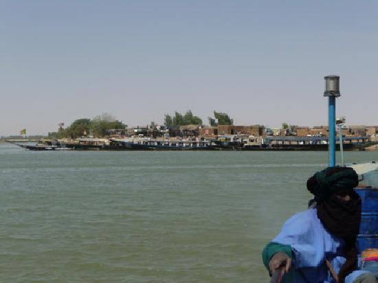 Timbuktu, Malí: Niger River Crossing