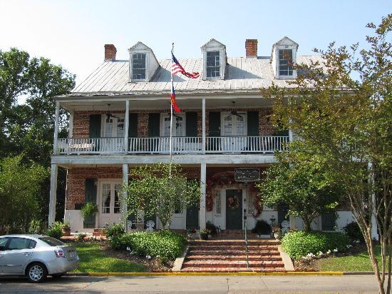 Old Castillo Bed & Breakfast: View of B&B from the front