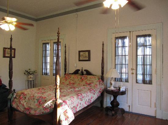 Old Castillo Bed & Breakfast: Chambre de Evangeline room