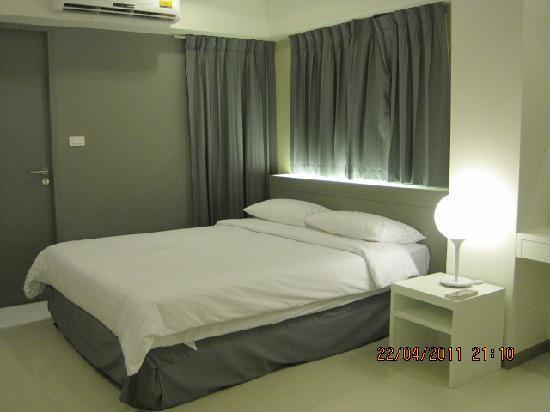 Myhotel Cmyk@Ratchada: Cozy, Comfortable & Modern!