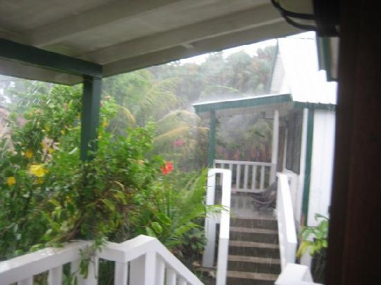 Garden Cabanas: Rainy day, yet still beautiful!