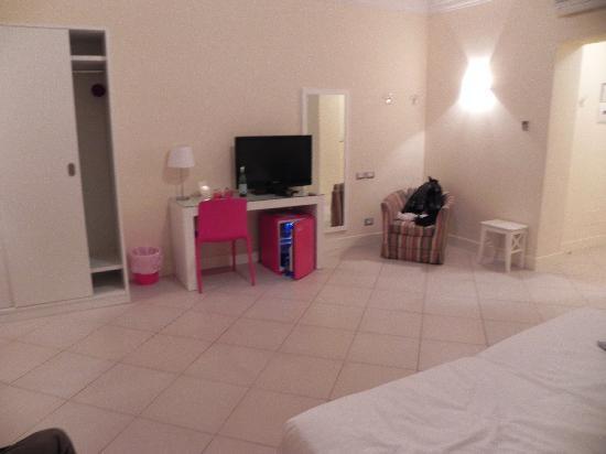 Residenza Fiorentina: tv e frigo bar