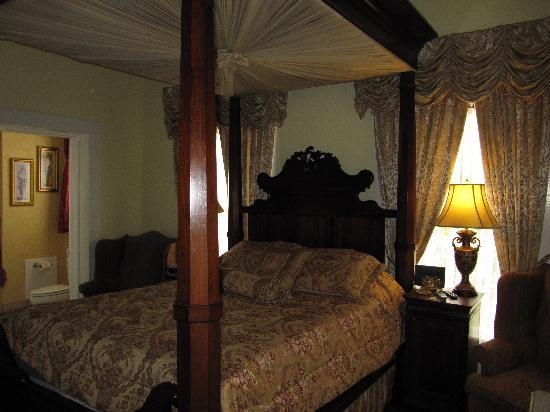 Judge Porter House Bed and Breakfast: New Orleans Room