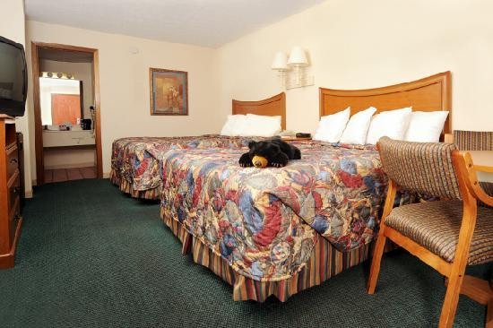 Ramada Pigeon Forge South: 2 Queen Beds, Nonsmoking