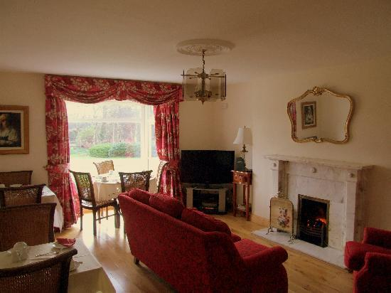 Riversdale Bed & Breakfast: Sitting Room