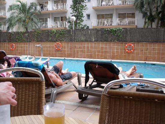H·TOP Amaika: Pool