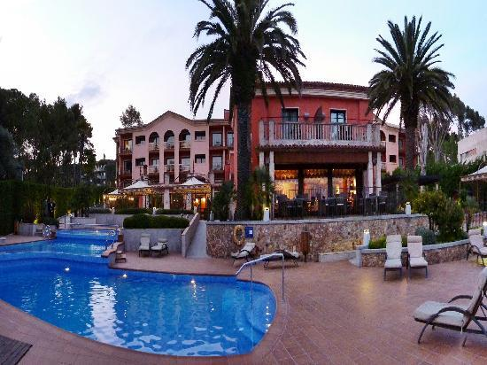 Salles Hotel & Spa Cala del Pi: vista de la parte posterior