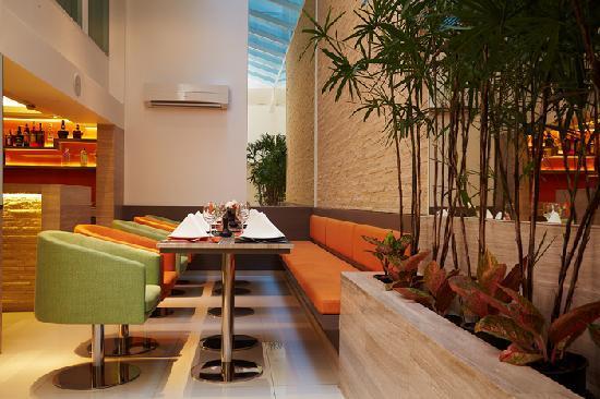 CityPoint Hotel: Skylite Cafe