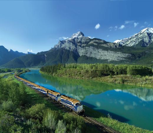 The Rocky Mountaineer Train: Rocky Mountaineer at Exshaw Alberta
