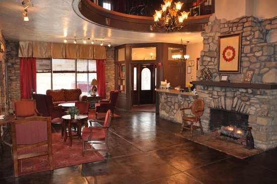 Ye Olde English Inn: Lobby