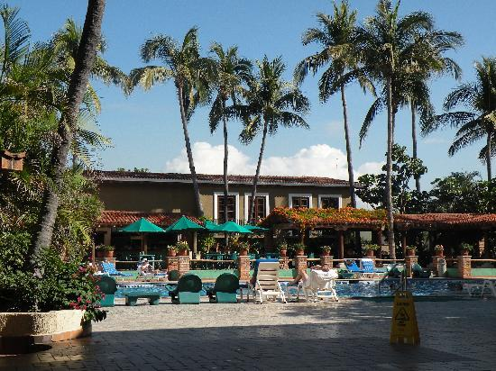 Hotel Playa Mazatlan: One of the pools