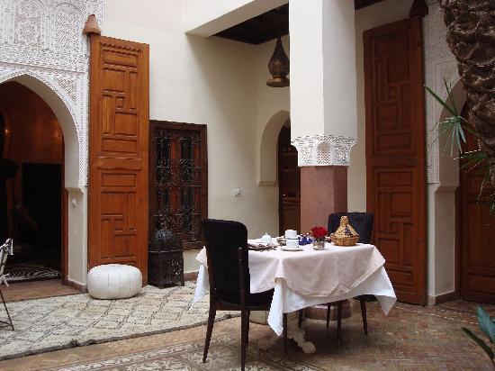 Zamzam Riad: A relaxing moroccan breakfast