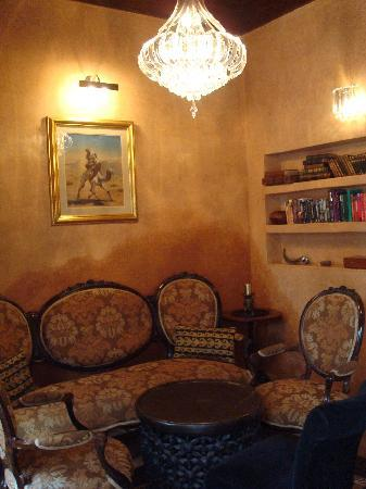 Zamzam Riad: Lounge for pre/post dinner drinks