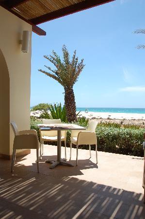 Royal Horizon Boa Vista : Terrase restaurant de la plage