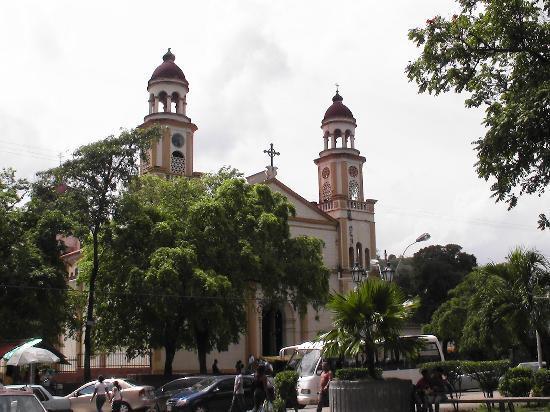 Carupano, Venezuela: Santa Catalina de Siena am Plaza Colón