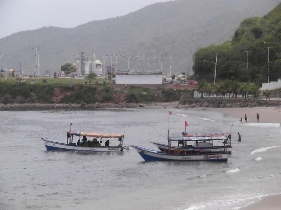 Carupano, Venezuela: Boote am Strand