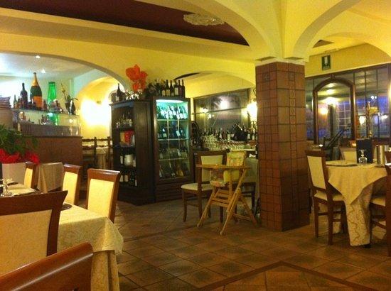 Montesilvano, Italia: sala interna