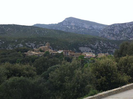 vista desde el hotel al pueblo de Rodellar
