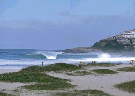 Saqua Hostel & Surf: itauna beach