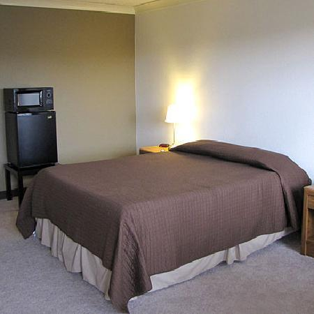 Americas Best Value Inn St. Helens: Guest Room