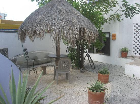 Amaranto Bed and Breakfast: in the inner courtyard area