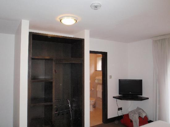 Zuni Hotel: Room