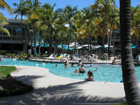 Hilton Ponce Golf & Casino Resort: Pool area.