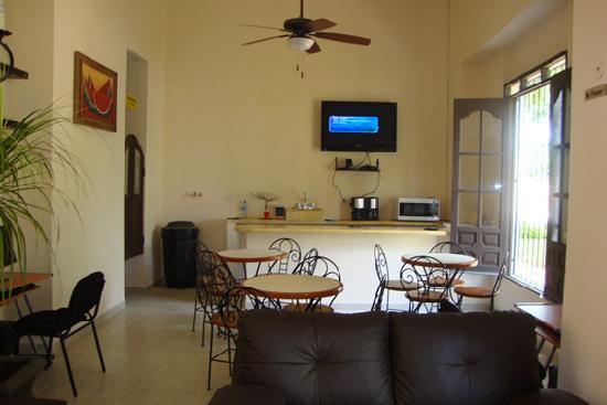 Luna Nueva Hostel : cafeteria