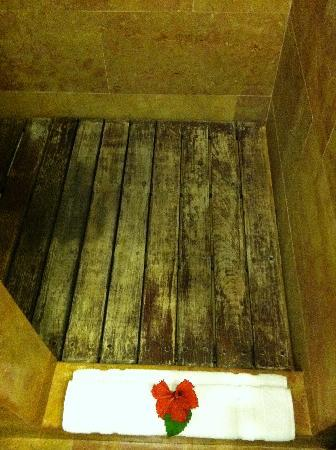 The Disgusting Wood Shower Floor Picture Of Catalonia Royal
