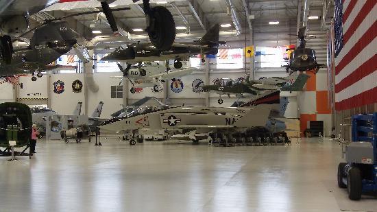 Pensacola, FL: Museum annex 'Phantom II ' F 4