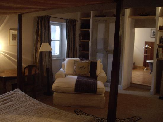 La Maison sur la Sorgue: Romantic Room with A View
