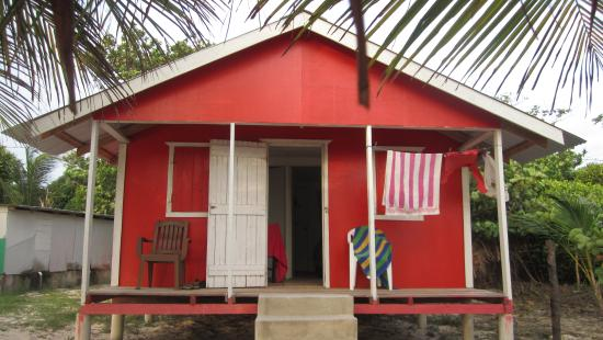 Carlito's Sunrise Paradise: 2-bedroom cabin on beach