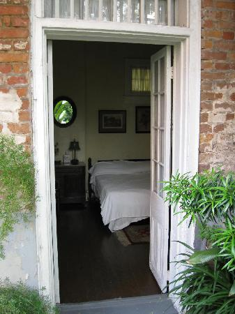 Bourgoyne Guest House: Looking into our room