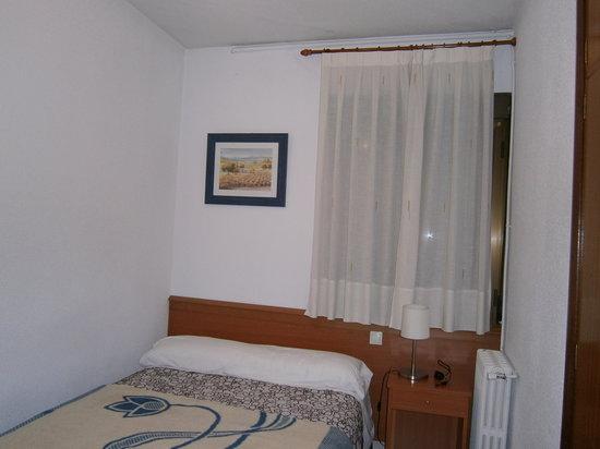 Hostal Salome: Chambre avec lit double