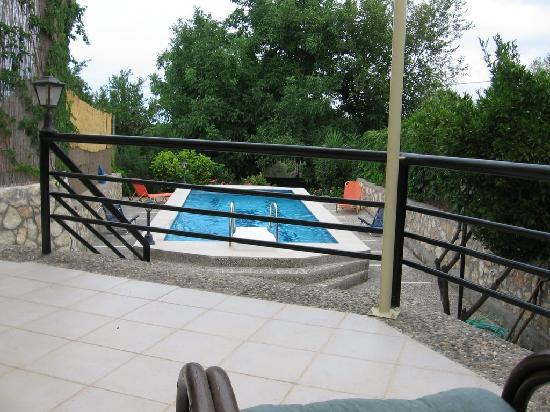 House Zambia: The terrace oversees the pool