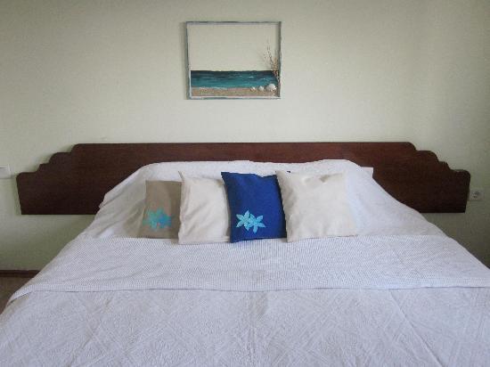 Hotel Pataros : die Betten(Foto von der Webseite)