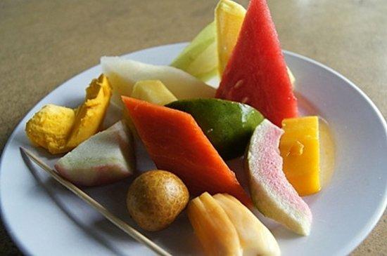 Batu Ferringhi, Maleisië: フルーツ食べ放題だい