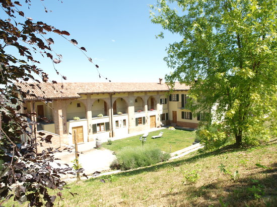 Neive, Italy: foto facciata