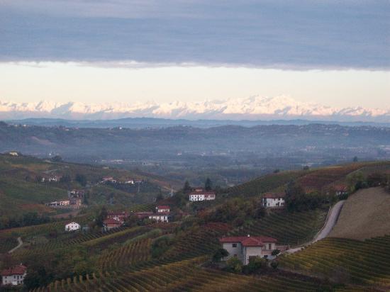 Neive, Italie : vista dalle camere