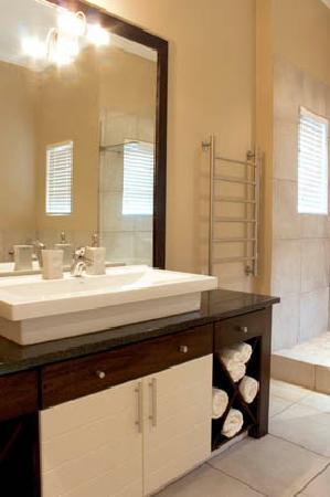 Brenton On Rocks Guesthouse: Bathroom2