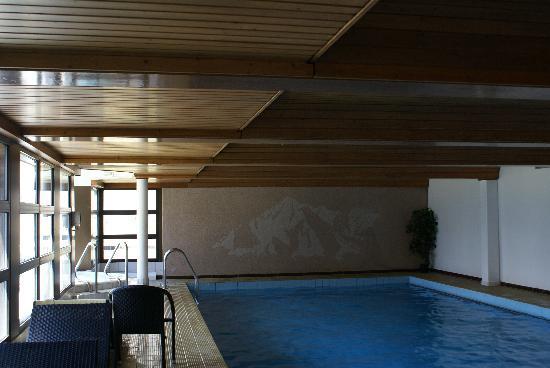 Graechen, Switzerland: Piscine de l'hôtel